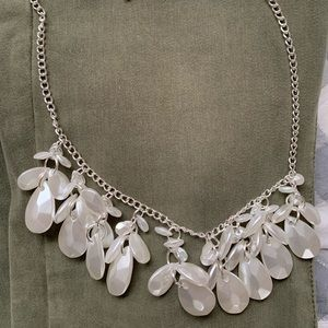 NWOT Silver statement necklace